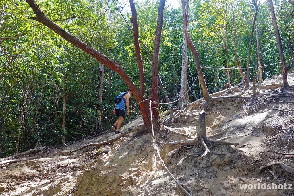 Aufstieg zum Bukit Keluang