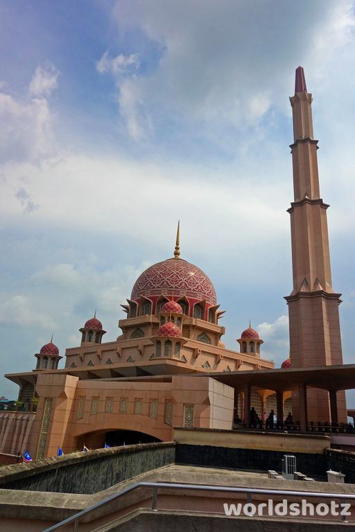 Putra Moschee
